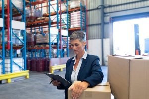 Woman working on a trusted customs brokerage company
