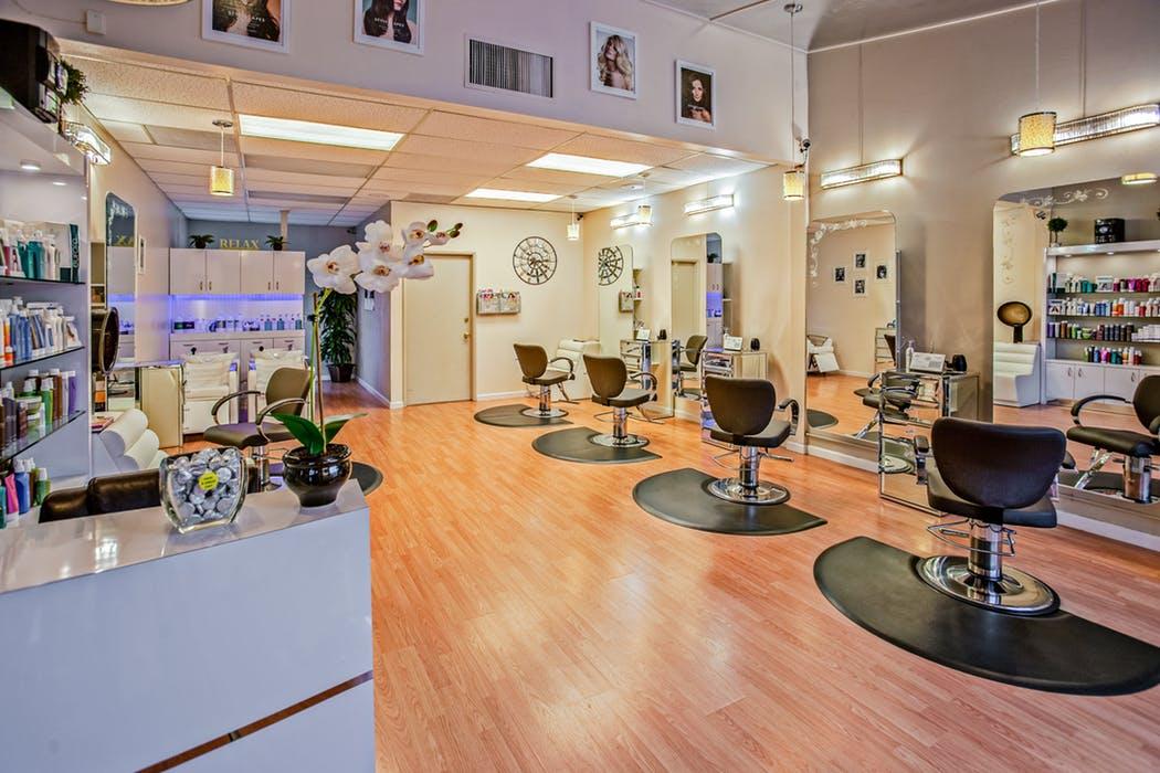 Salon with salon insurance in Australia